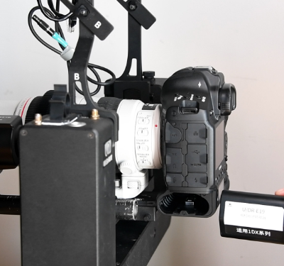 第10步  相机电池转换器的安装
